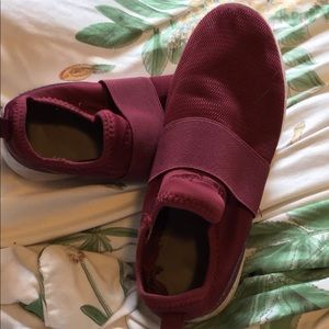Champion light weight slide ons maroon